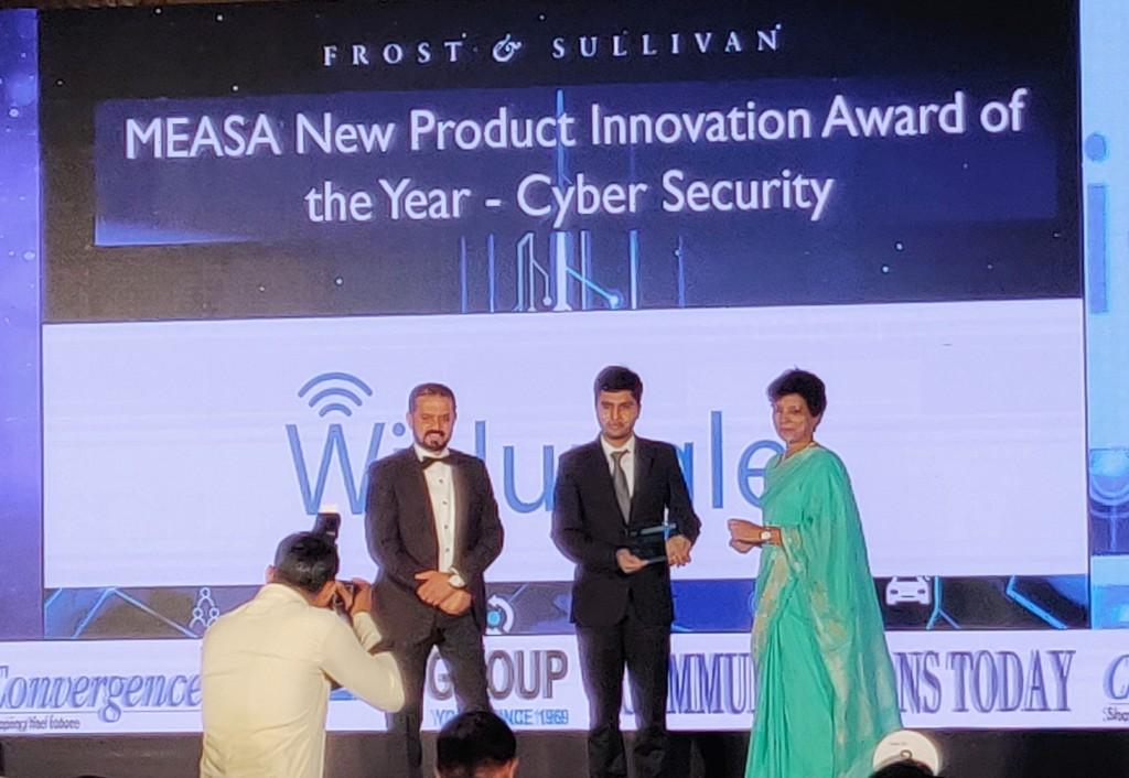 Co-Founder & CEO, Karmesh Gupta Receiving Award